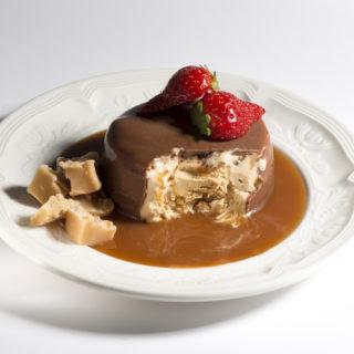 焦糖脆皮巧克力冰甜點